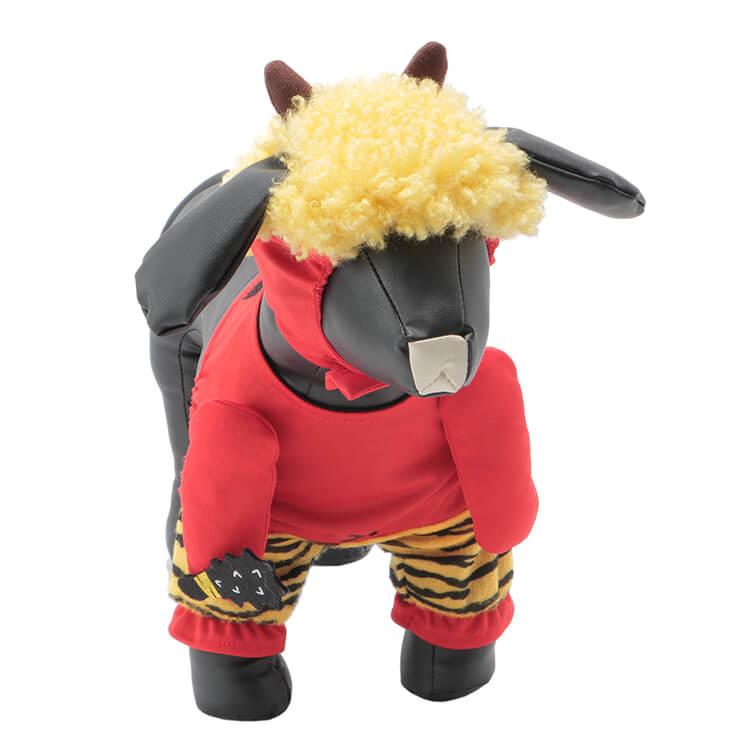 赤鬼に変身できるペット用コスチューム「Pet コスチューム Akaoni」装着イメージ