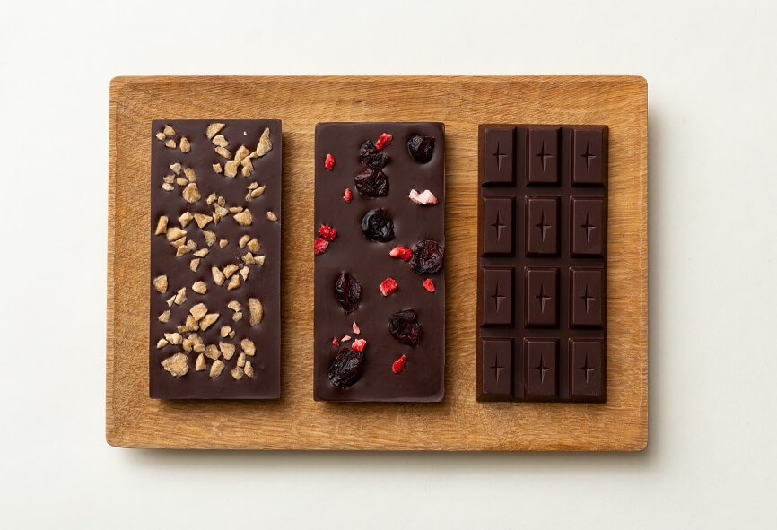 1 . 2 Chocolate (ワンニャン チョコレート)メープルシュガー、ダブルベリー、ソルト味 by シジェーム ギンザ in GINZA SIX