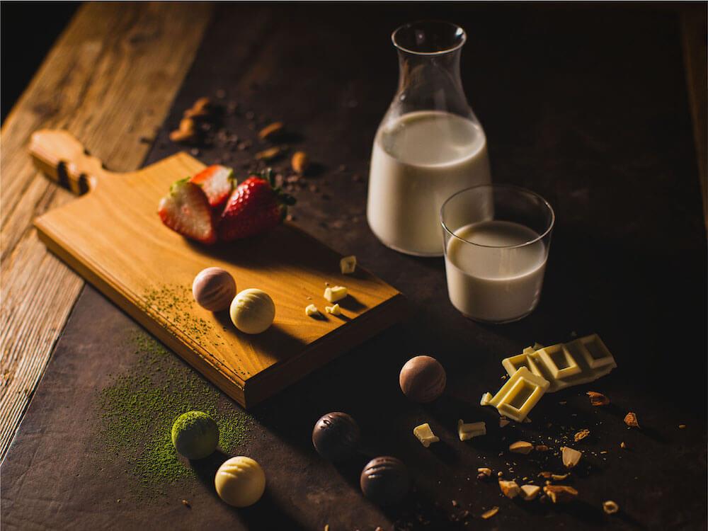 北海道産プレミアムチョコレートブランド「CACAOCAT(カカオキャット)」製品イメージ