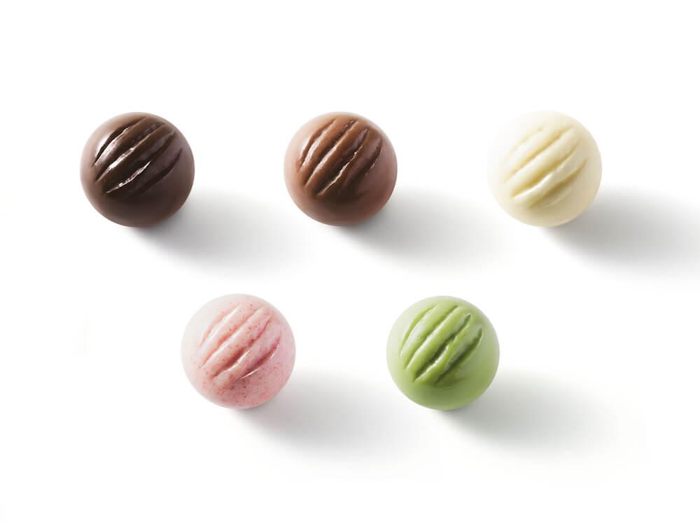 5種類のチョコレート(ミルク、ホワイト、ストロベリー、抹茶) by CACAOCAT(カカオキャット)