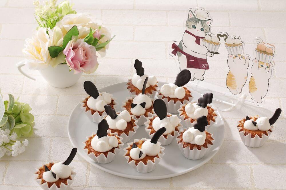 猫をモチーフにしたカップケーキ「にゃんこ♥LOVEカップケーキ」 by スイーツパラにゃんス