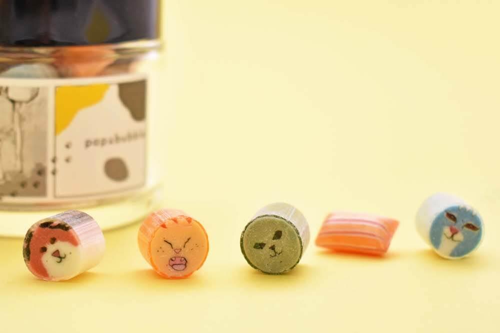 猫をモチーフにしたデザインのキャンディが入っている「ねこミックスキャンディ」 by papabubble(パパブブレ)