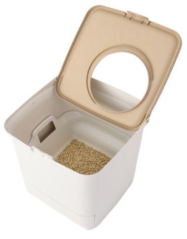 アイリスオーヤマの縦型・箱型タイプの猫トイレ「猫用システムトイレ」の上部フタを開けたイメージ