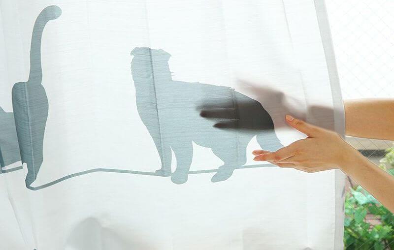 明るくて透けにくい猫のシルエット柄レースカーテン「ミャウミャウ」