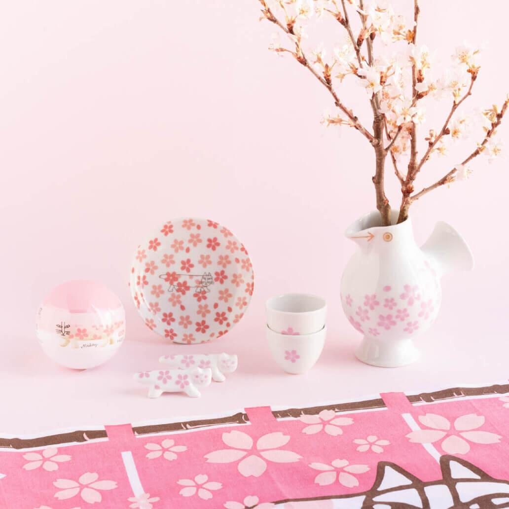 リサ・ラーソンや猫のマイキーの桜をモチーフにしたグッズ一覧