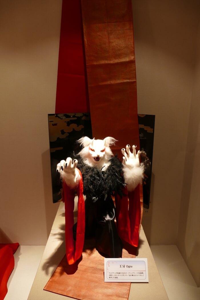 歌手LiSAのバックダンサーをイメージして羊毛フェルトで作った猫「王牙」の作品イメージ by 熊木早苗
