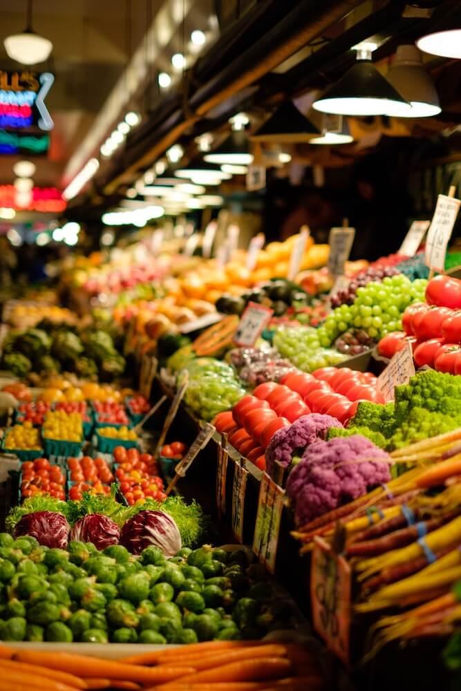 野菜や果物などの生鮮食品の販売イメージ