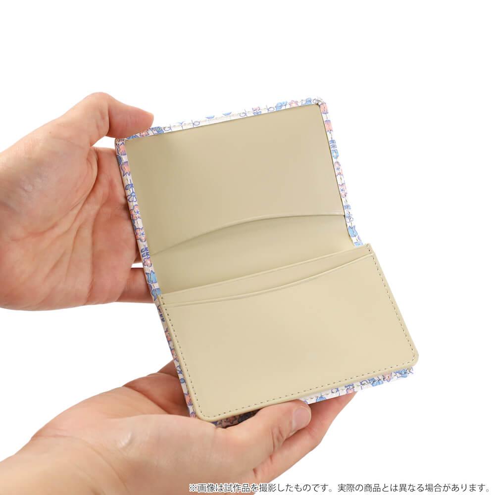 ニャンコ先生デザインのカードケースを開いたイメージ by 革製品メーカーの「浅草文庫」