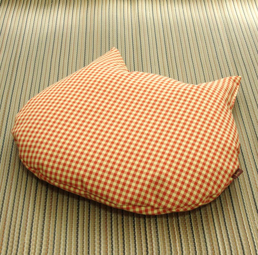 猫用の羽毛座布団「猫のしあわせ座布団」オレンジチェックカラー