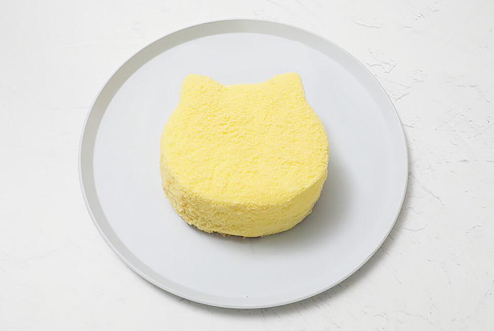 レアチーズとベイクドチーズ2層仕立ての「もふねこチーズケーキ」製品イメージ by ねこねこチーズケーキ