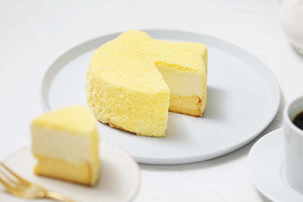 「もふねこチーズケーキ」をカットして盛り付けたイメージ by ねこねこチーズケーキ