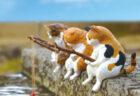 釣りをする猫の姿に癒やされる…カプセルフィギュア「釣り日和」5種類の猫になって登場