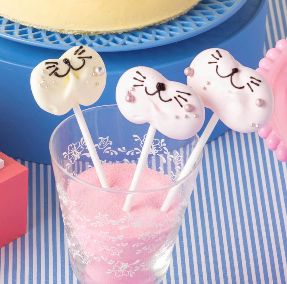 猫フォトプロップス by ヒルトン東京ベイのデザートビュッフェ Love Kitty (ラブ・キティ)
