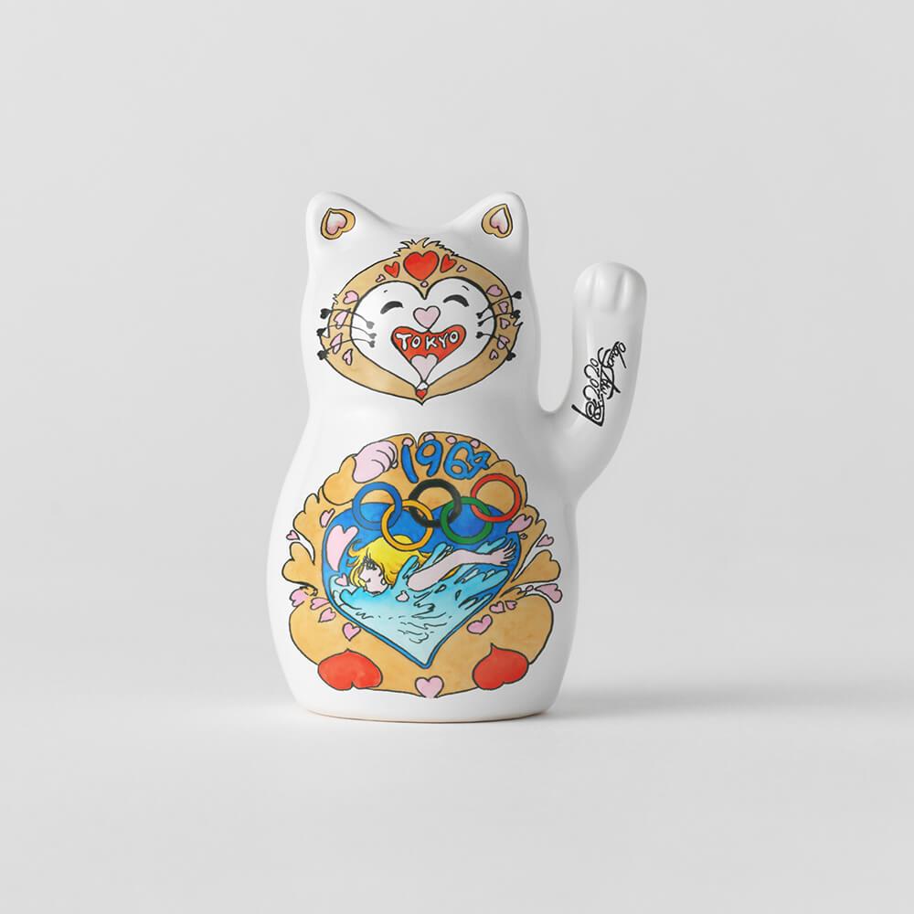 漫画家・松本零士のイラストがデザインされた招き猫