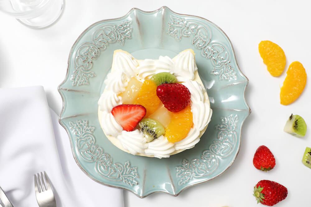 色とりどりの果物をトッピングした「ねこねこWチーズケーキ フルーツ」 by ねこねこチーズケーキ