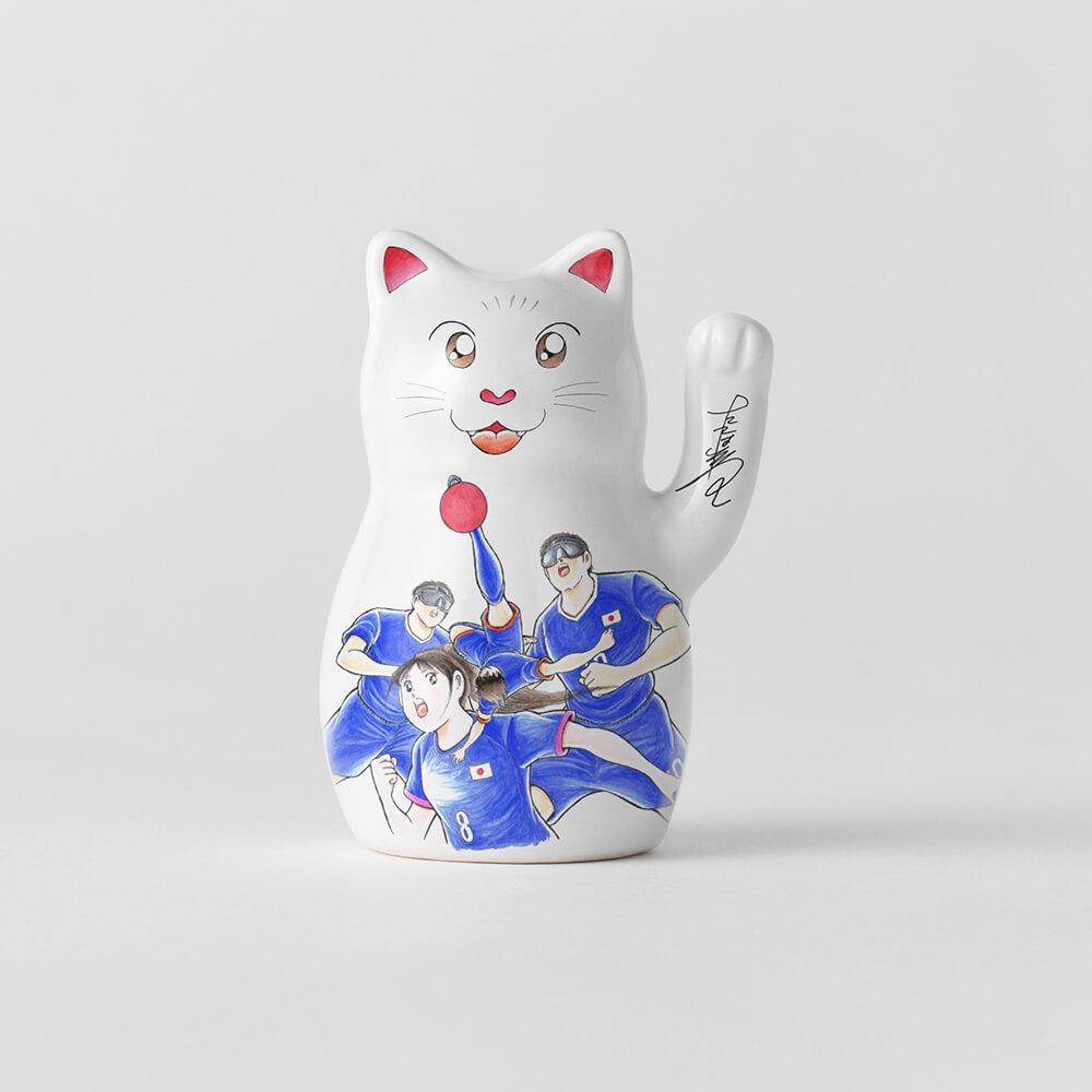 漫画家・高橋陽一のイラストがデザインされた招き猫
