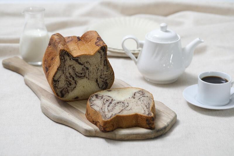 キジトラ柄の食パン「ねこねこ食パン キジトラ」商品イメージ