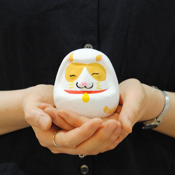 備中松山城の猫城主「さんじゅーろー」の白だるま