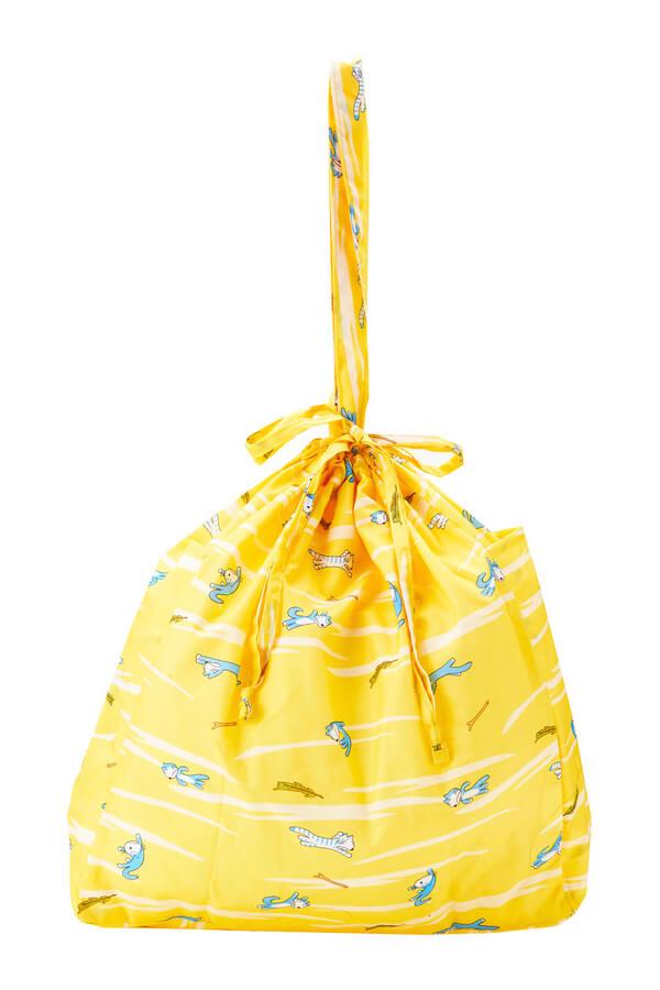 巾着みたいに絞れるので雨が入りにくい「11ぴきのねこ」のレインエコバッグ
