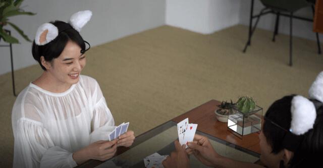 ゲームやパーティーで装着すると盛り上がりそうな猫耳型カチューシャ「necomimi(ネコミミ)」