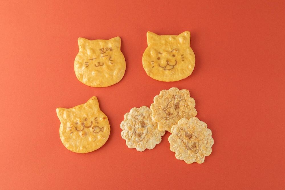 猫型せんべいを詰め合わせた商品「ねこ袋」 by 富士見堂