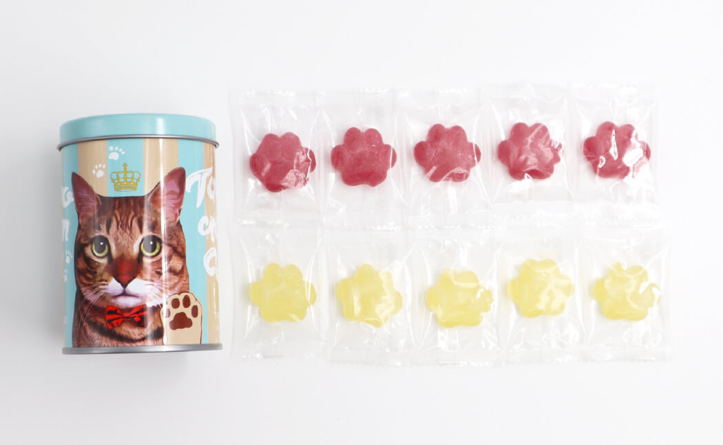 個包装されている肉球型のフルーツグミ「にくきゅうグミ」商品イメージ