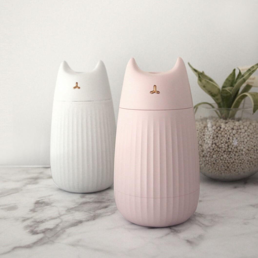 猫型のUSB加湿器「ネコ加湿器 ジュエルタイム」のカラーバリエーション、アイボリー&ピンク