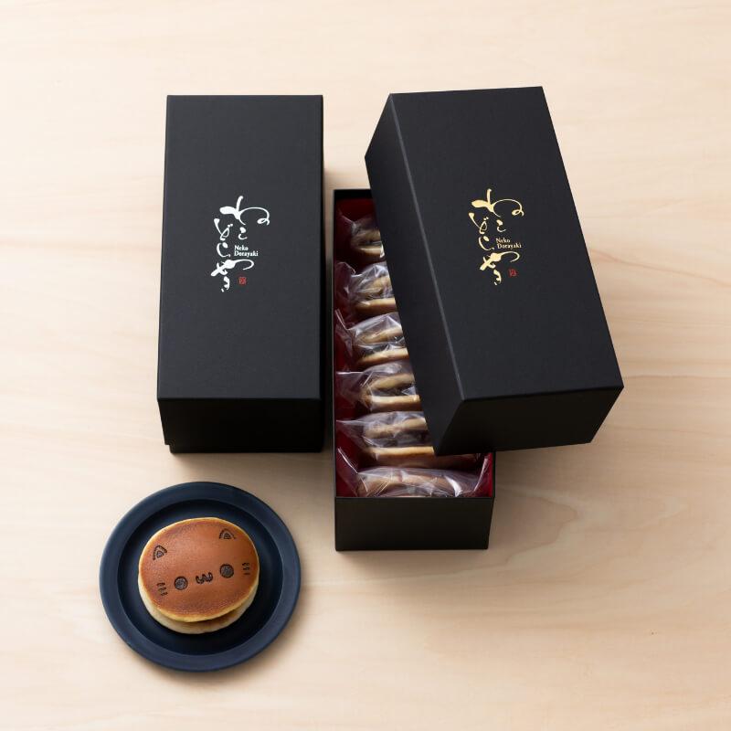 豪華な化粧箱が付いた贈答用の『ねこどらやき』 by イクミママのどうぶつドーナツ!
