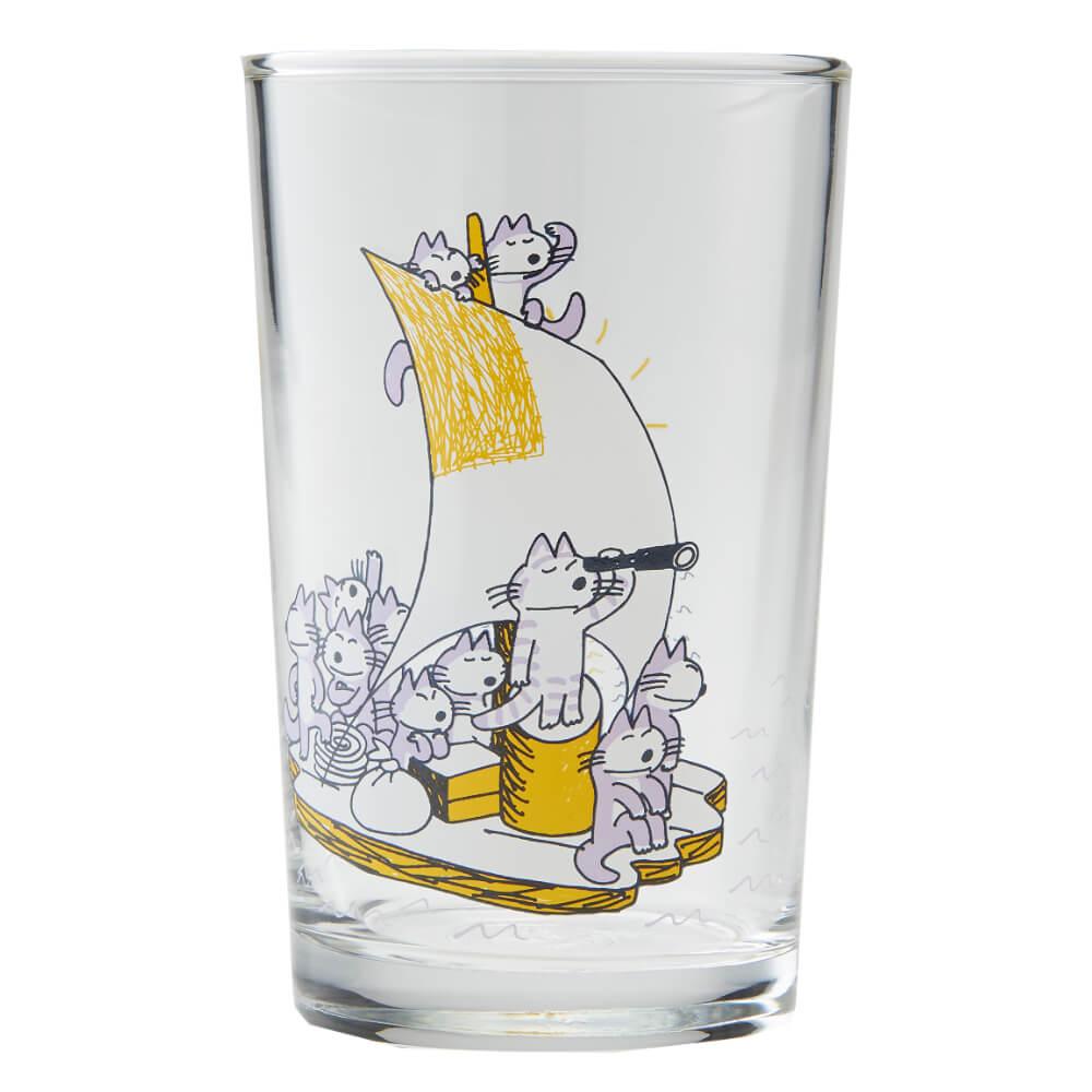 「11ぴきのねこ」のイラストがデザインされたグラス