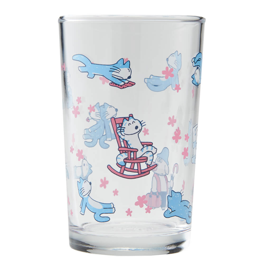 「11ぴきのねことぶた」のイラストがデザインされたグラス